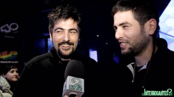 Imagen de la entrevista a los componentes de Estopa durante los Premios Dial 2011