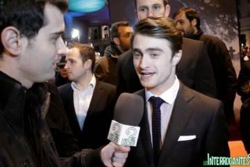 Daniel Radcliffe entrevistado durante la premiere de 'La Mujer de Negro'