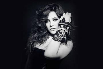 María Aguado posando para su disco 'Me toca a mí'