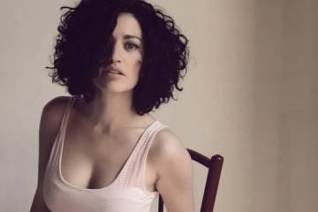 Elena Gadel en entrevista y acústico 'De madera' para LosInterrogantes.com