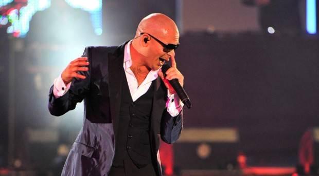 Pitbull en el escenario de los Premios 40 Principales 2012