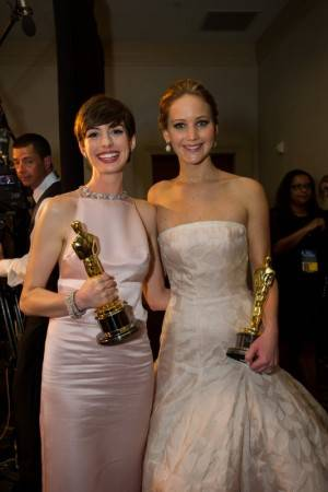 Anne Hathaway y Jennifer Lawrence.