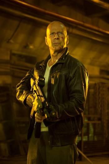 McClain padre (Bruce Willis)