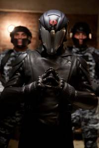 El Comandante Cobra Crítica