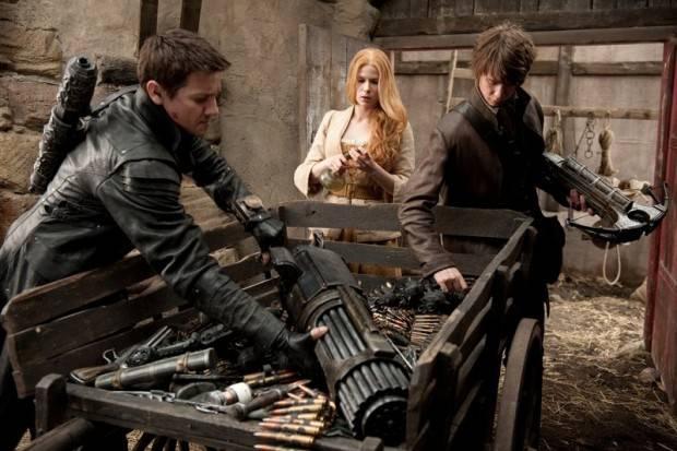 Foto de carro lleno de armas en Hansel y Gretel