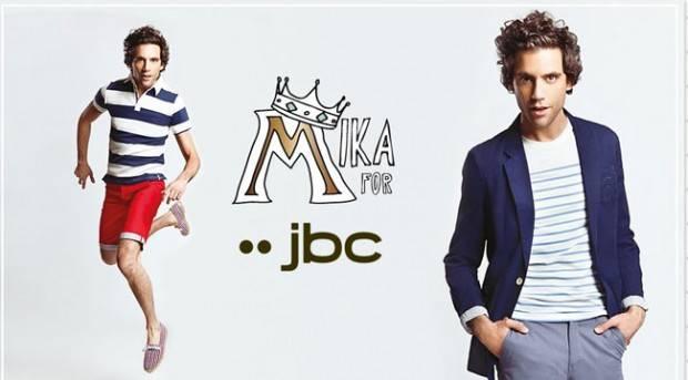 MIka posando para su colección de JBC