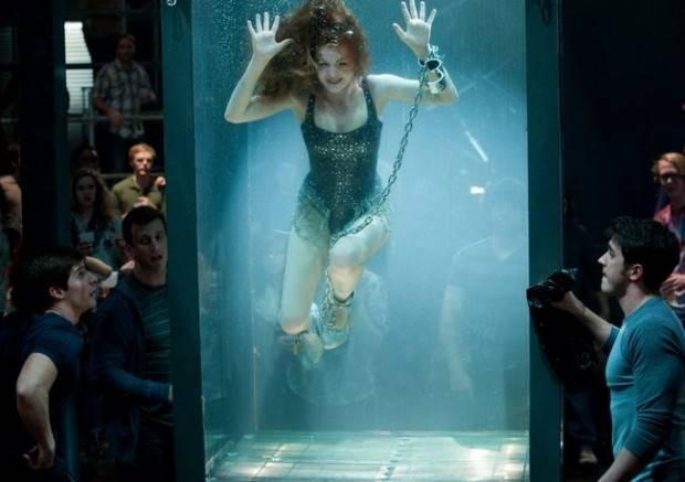 La escapista Henley Reeves (Isla Fisher) en plena actuación