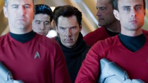 Star-Trek-2-En-la-oscuridad-2