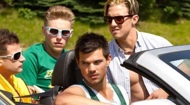 Taylor Lautner y Milo Ventimiglia en 'Niños Grandes 2'