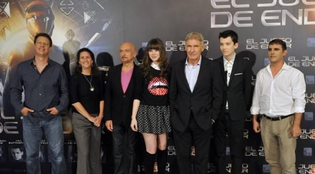 """El equipo al completo de """"El juego de Ender"""" durante su visita en Madrid"""