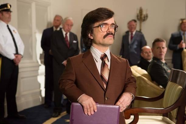 Peter Dinklage interpreta a el Dr. Bolivar Trask