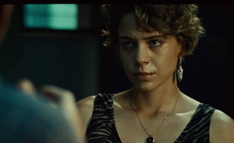 Imagen de la película 'El lobo detrás de la puerta'