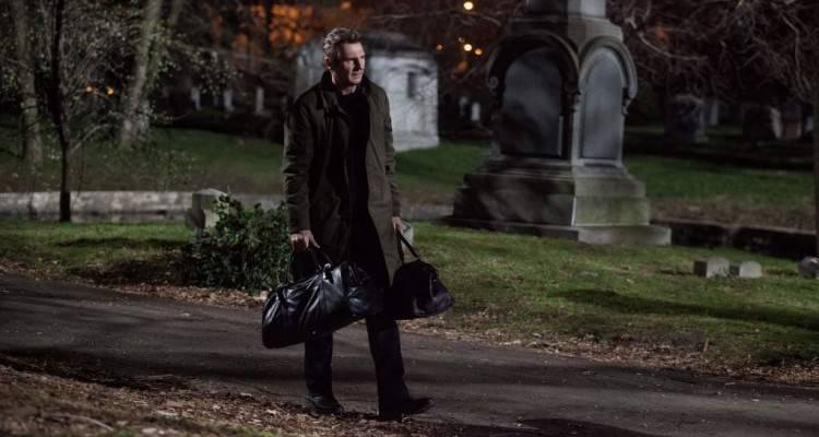 Foto de la película 'Caminando entre las tumbas'