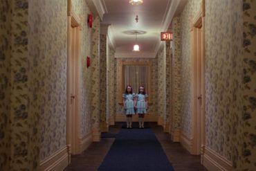 El pasillo con las niñas de 'El resplandor'