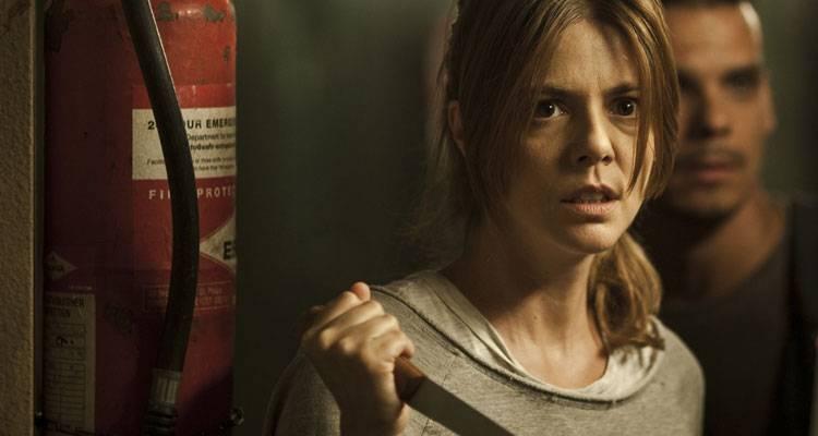Manuela Velasco esperando a un zombie en 'Rec 4 , Apocalipsis'