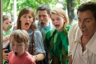 Ed Oxenbould, Jennifer Garner, Dylan Minnette, Kerris Dorsey y Steve Carell en 'Alexander y el día terrible, horrible, espantoso, horroroso'