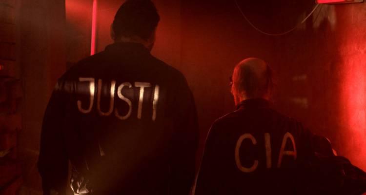 Hovik Keuchkerian y Alex Angulo, 'Justi&cia' con su uniforme de trabajo