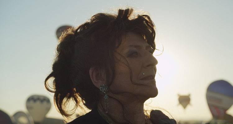 Imagen de la película 'Mil noches, una boda (Party Girl)' (2014)