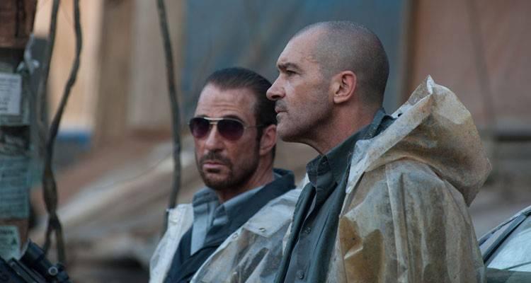 """Antonio Banderas en una escena de la película """"Autómata"""" (2015)"""