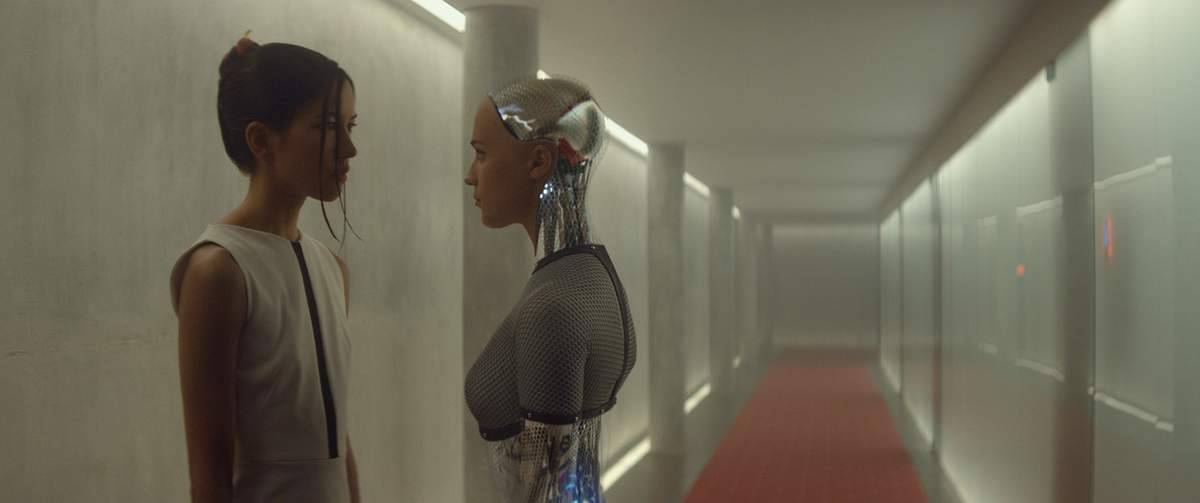 3: Review of EX MACHINA - Review The Future