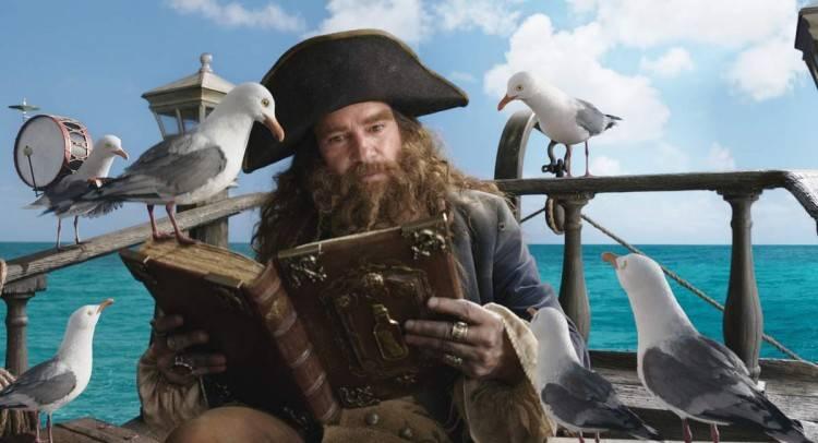 Antonio Banderas y una dicharacheras gaviotas en 'Bob Esponja: Un héroe fuera del agua'