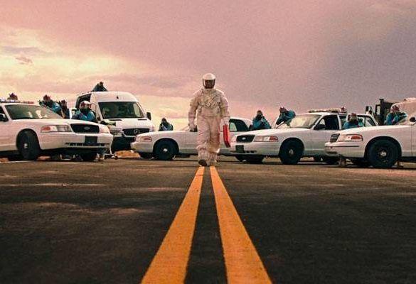 """https://www.yoImagen de la película """"La señal"""" de William Eubankutube.com/watch?v=1cLNkFZdku4"""