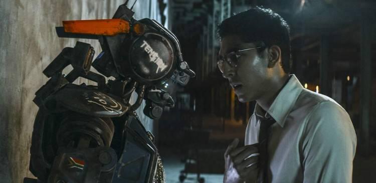 Chappie y su Creador - Fotograma de la película