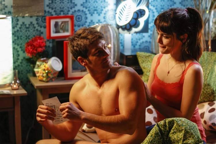 Félix Gómez y Adriana Ugarte en Tiempo sin Aire