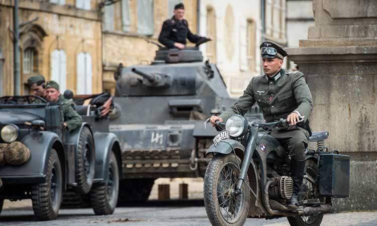 """Matthias Schoenaerts en  la película """"Suite francesa"""" (2015)"""
