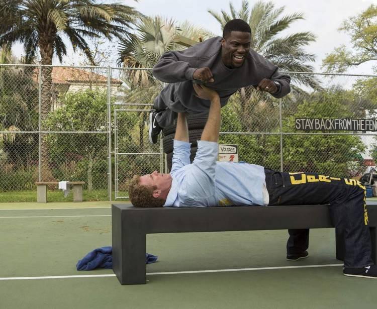 Will Ferrell levantando a Kevin Hart en Dale Duro