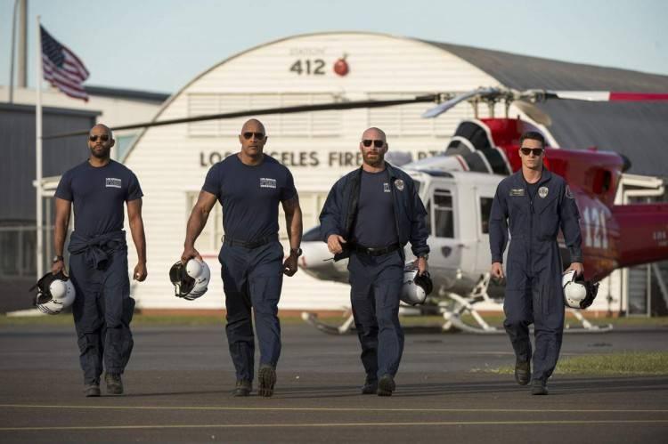 El equipo de rescate que lidera Dwayne Johnson