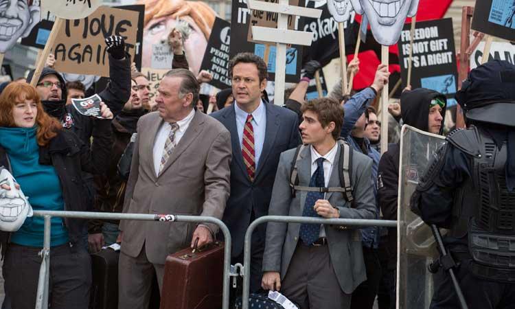 """Tom Wilkinson, Vince Vaughn y Dave Franco en """"Negocios con resaca"""""""