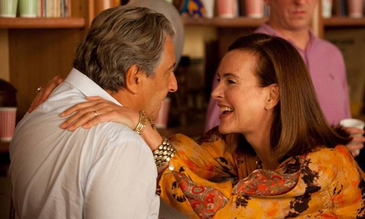 """Christian Clavier y Carole Bouquet en la película """"No molestar"""" (2015)"""