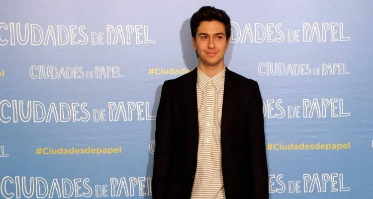 Nat Wolff interpreta a Quentin