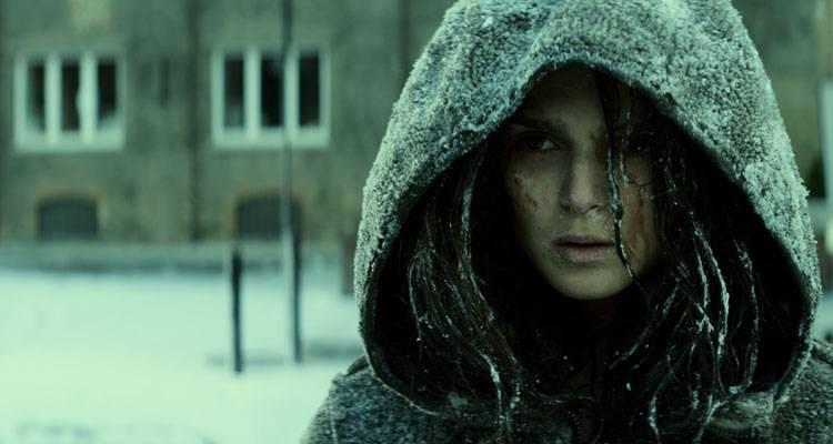Imagen de Clara Lago en la película 'Extinction' (2015)