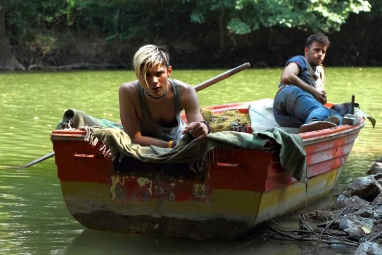 """Kostas Nikouli y Nikos Gelia en una escena de la película """"Cuestión de actitud (Xenia)"""""""
