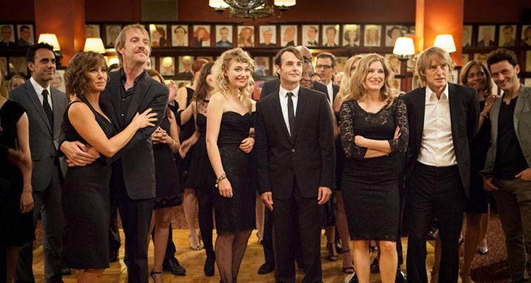 Imagen del reparto al completo de la película 'Lío en Broadway'