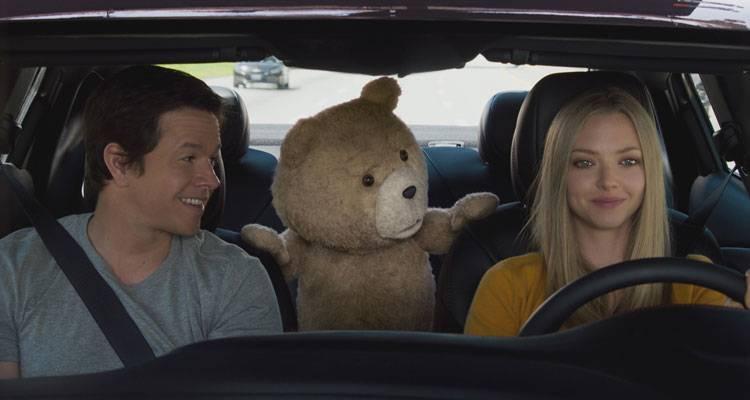 Mark Wahlberg, Ted y Amanda Seyfried en la película 'Ted 2' (2015)