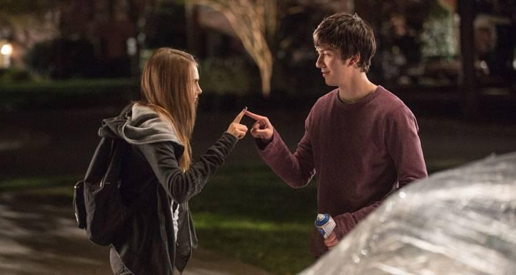 Imagen de Cara Delevingne y Nat Wolff en la película 'Ciudades de papel' (2015)