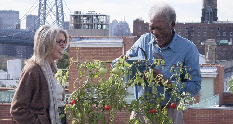 Diane Keaton y Morgan Freeman en la película 'Ático sin ascensor'