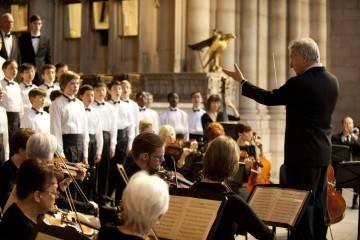 Portada de la Crítica de la película El coro con Dustin Hoffman