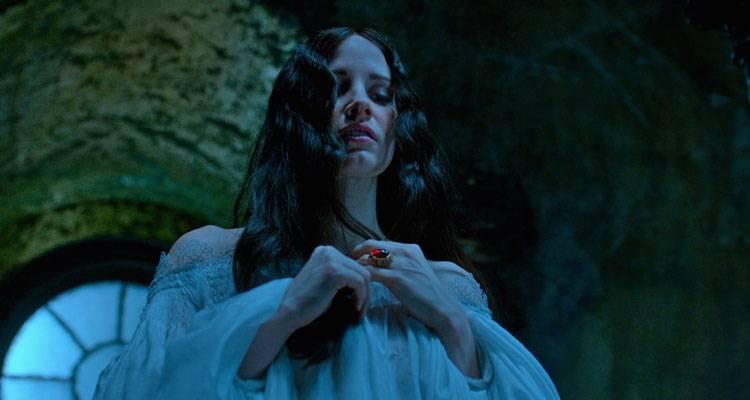Jessica Chastain en la película 'La cumbre escarlata' (2015)