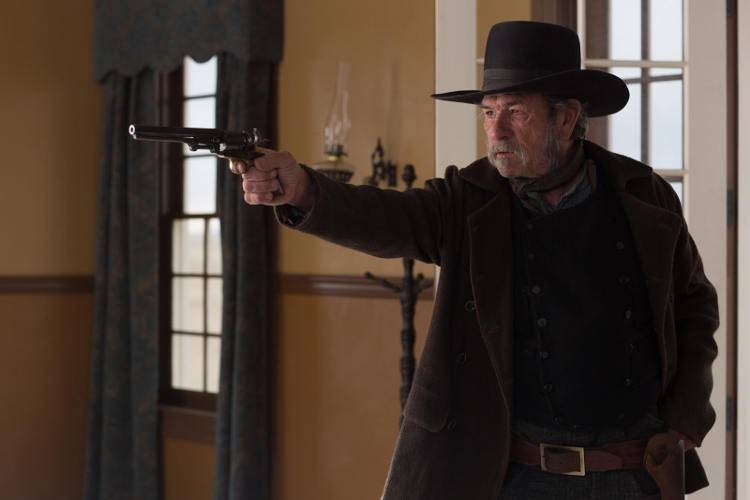 Tommy Lee Jones dirige y protagoniza la película