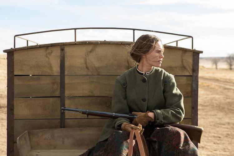 Hilary Swank interpreta a Mary Bee Cuddy