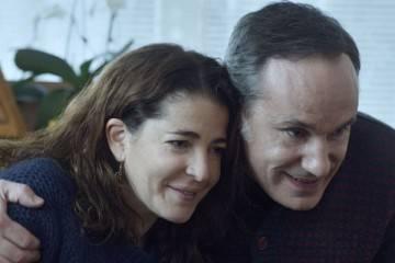 Nora Navas y Francesc Garrido en la película 'La adopción' (2015)