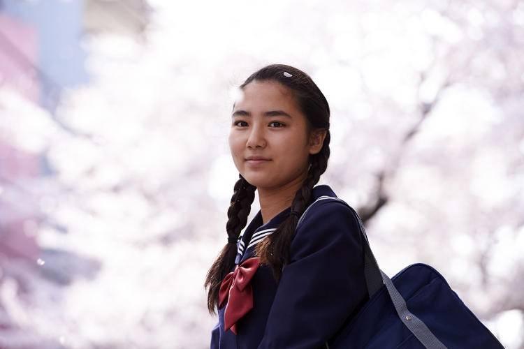 Kyara Uchida en la película 'Una pastelería en Tokio'