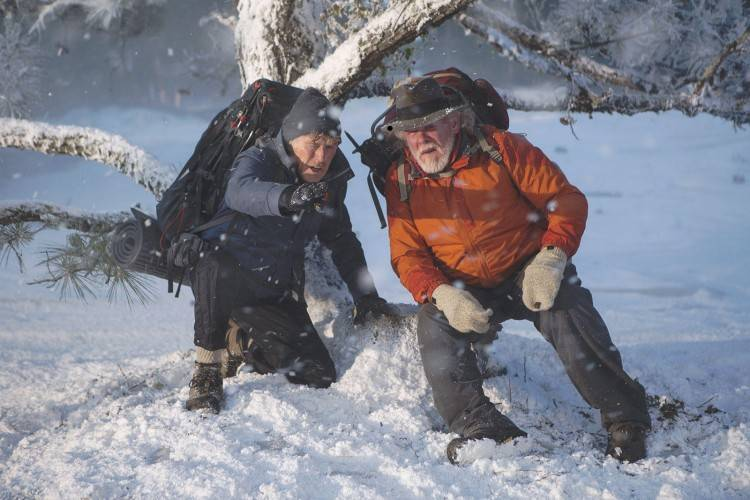 Robert Redford es Bill Bryson y Nick Nolte interpreta a Stephen Katz