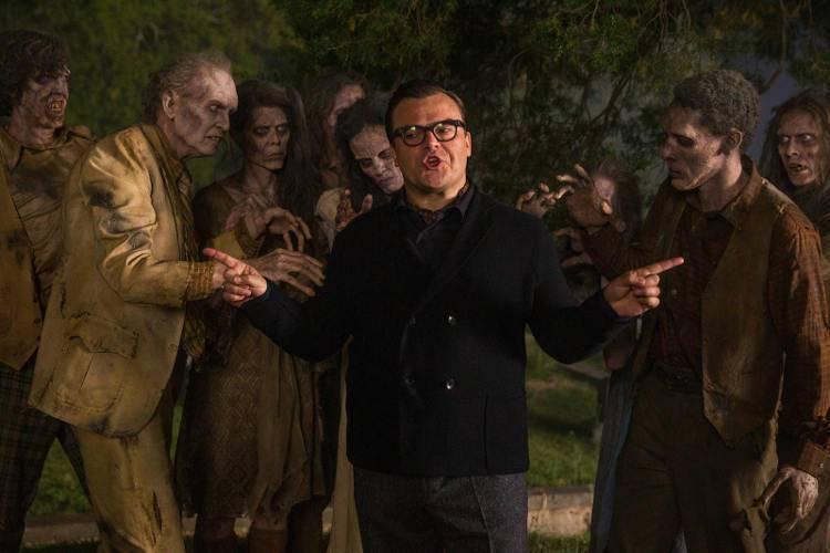 Jack Black en Pesadillas rodeado de zombis