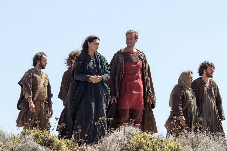 Joseph Fiennes y Maria Botto
