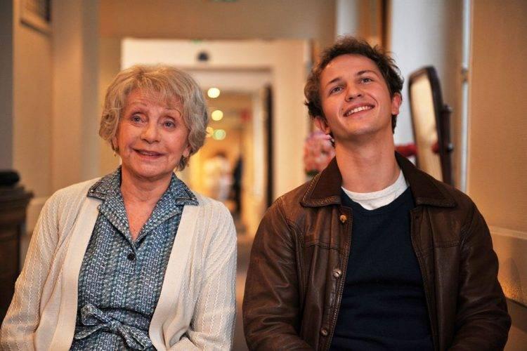 Annie Cordy y Mathieu Spinosi en una imagen de la película